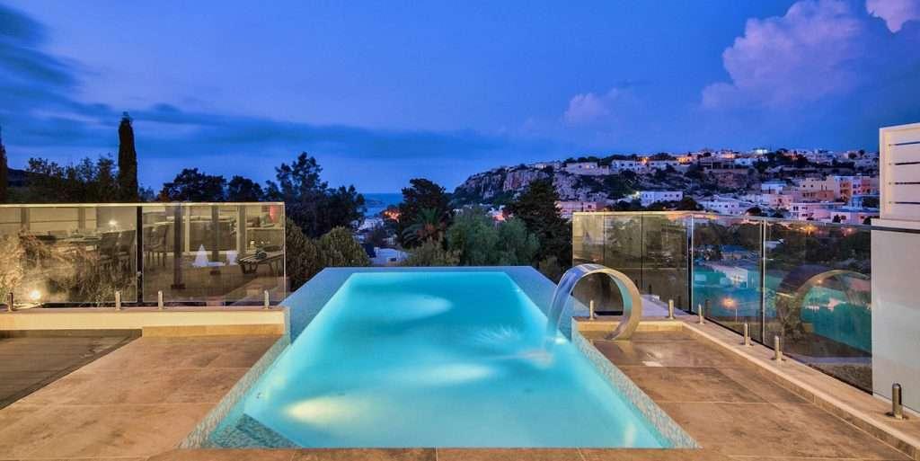 Ricco Mortensen - pool med udsigt
