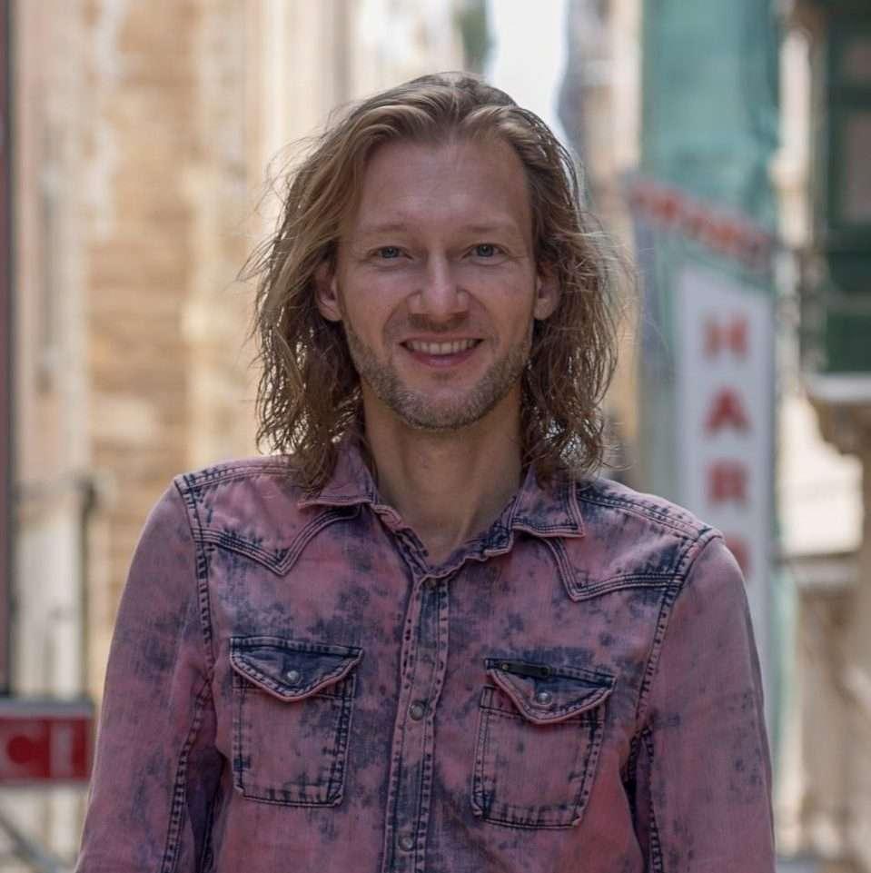 Ricco Mortensen - Ricco i Valletta